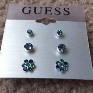 Set of 3 stud earrings